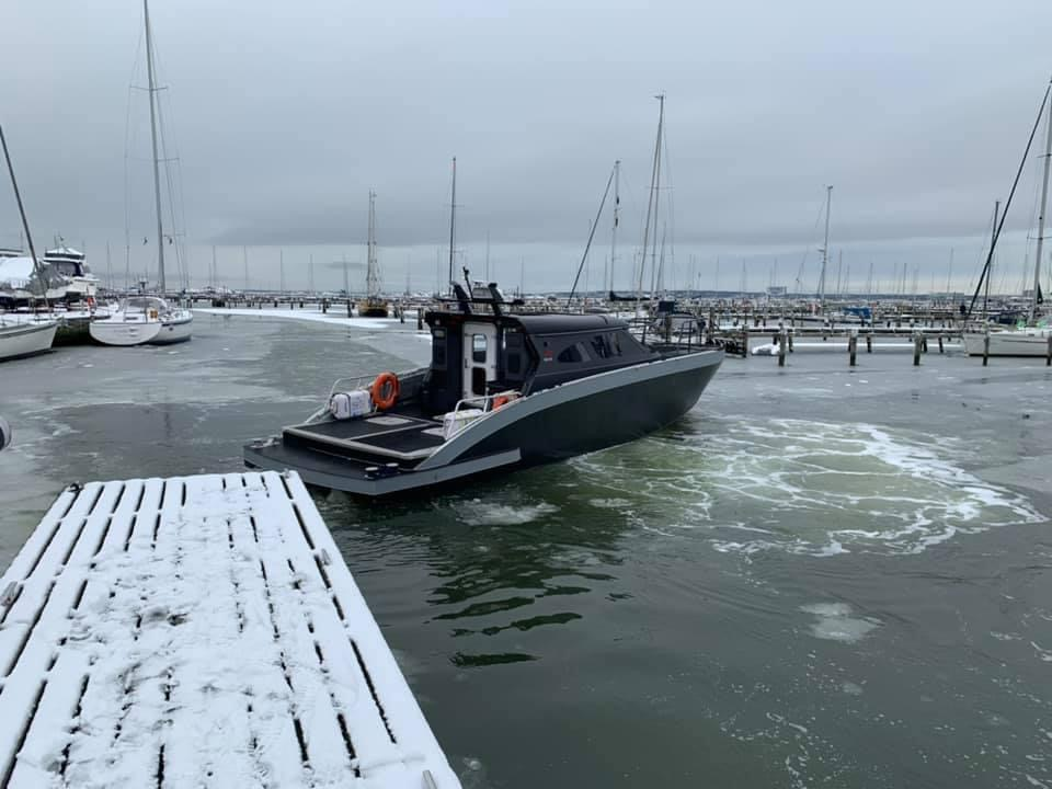 m15 vp3 boat in ice