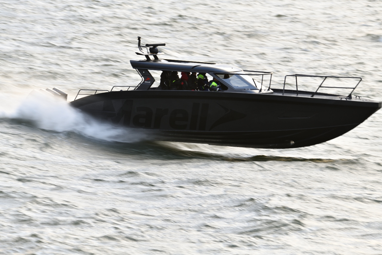 m15q speed boat
