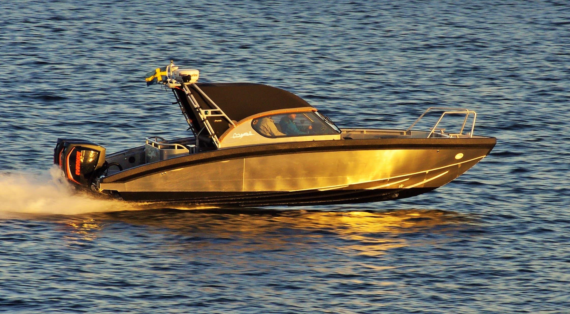 boat moving at 2016
